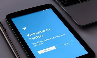スマホでTwitterを開く